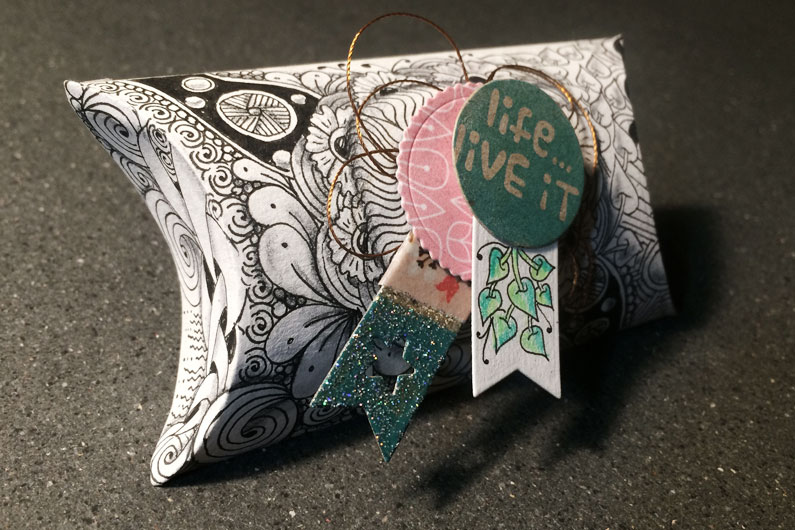 zentangle inspired art, ZIA, Sizzix Big Shot Machine,  pillowbox, kesi art die cut, embossing